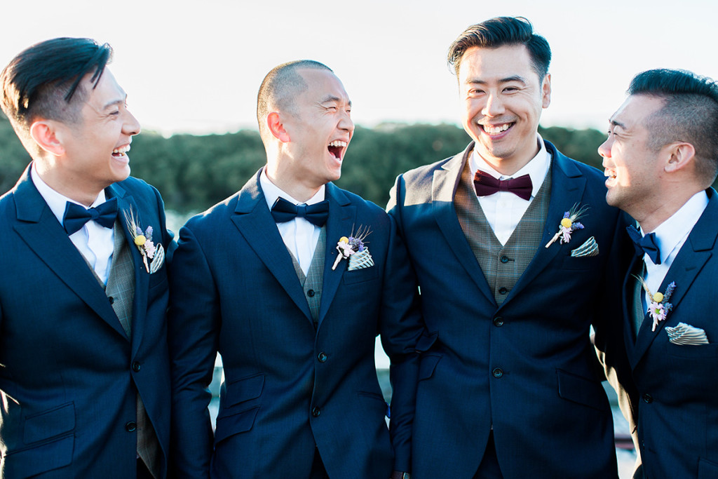 019-happy-groomsmen-on-wedding-day
