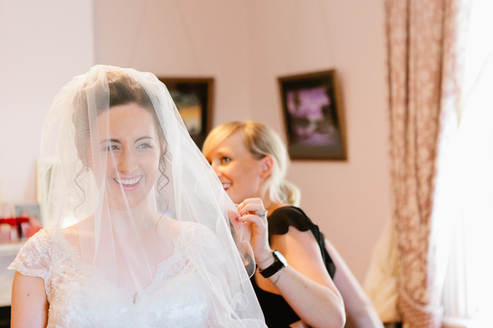 veil-with-bride