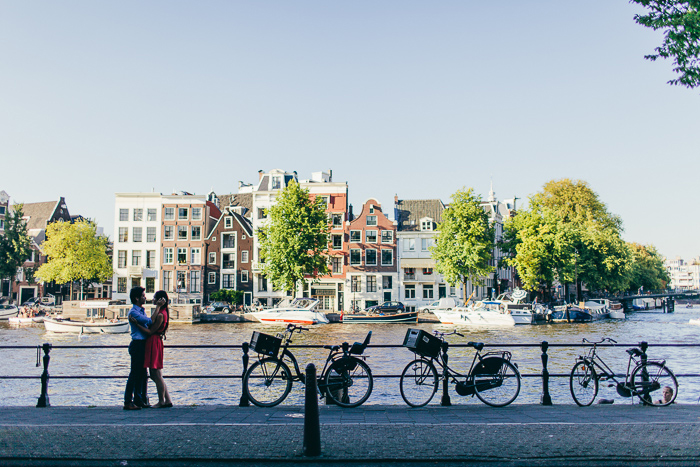 bikes-and-amsterdam-canals-in-love