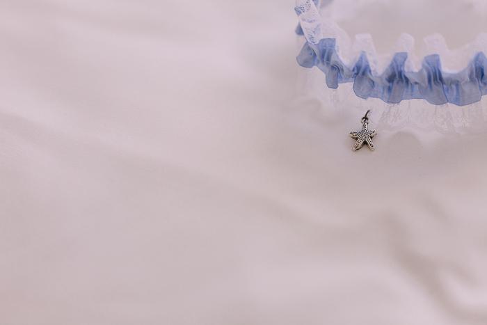 brides-garter