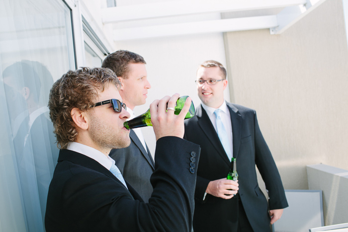 balcony-beers-with-the-groomsmen