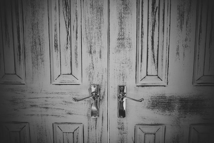 large-wooden-doors-for-brides-entrance