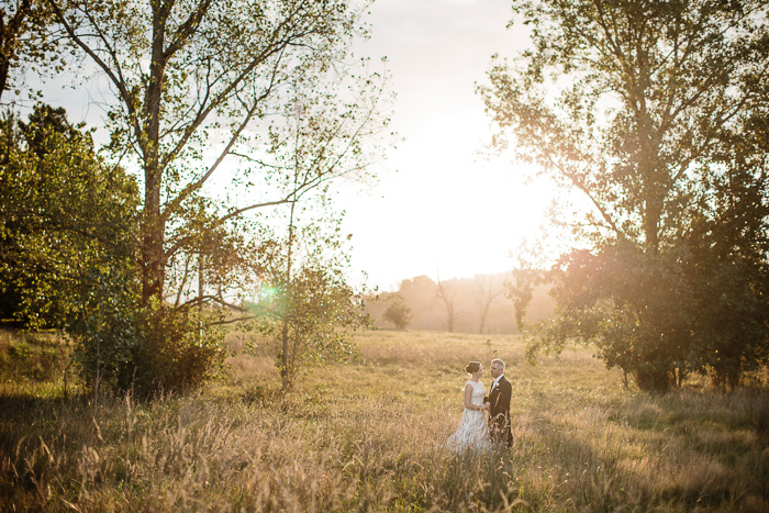 romantic-backlit-sunset-wedding-photos