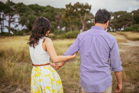 romantic-moore-park-engagement-photos