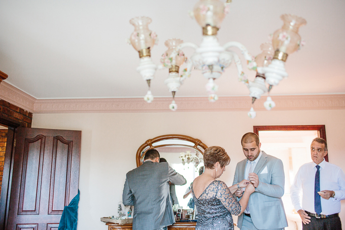 groom-preparation-photography