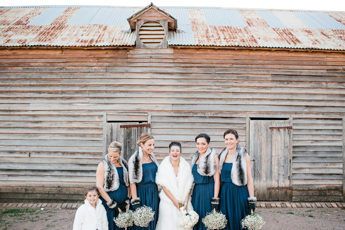 bride-with-her-bridesmaids