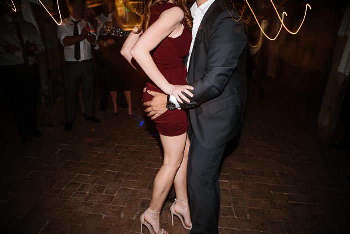 risque-dancing-at-wedding