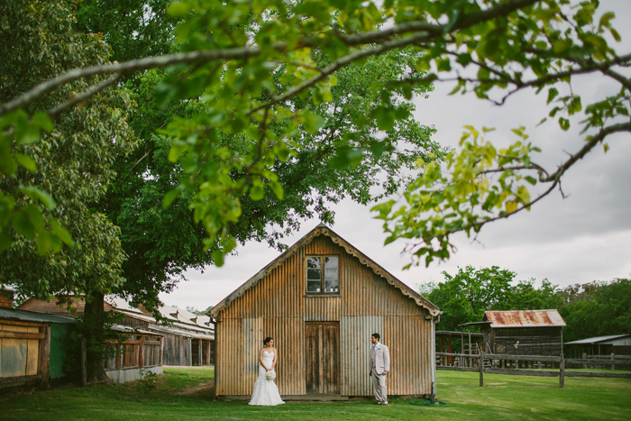 vintage-barn-wedding