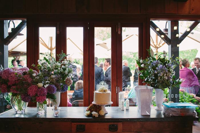 bendooley wedding cake for bride and groom
