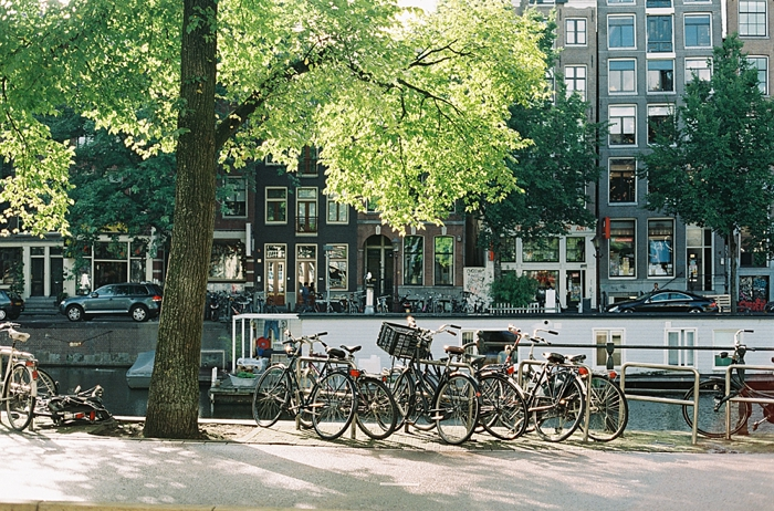 lots-of-bikes-in-amsterdam