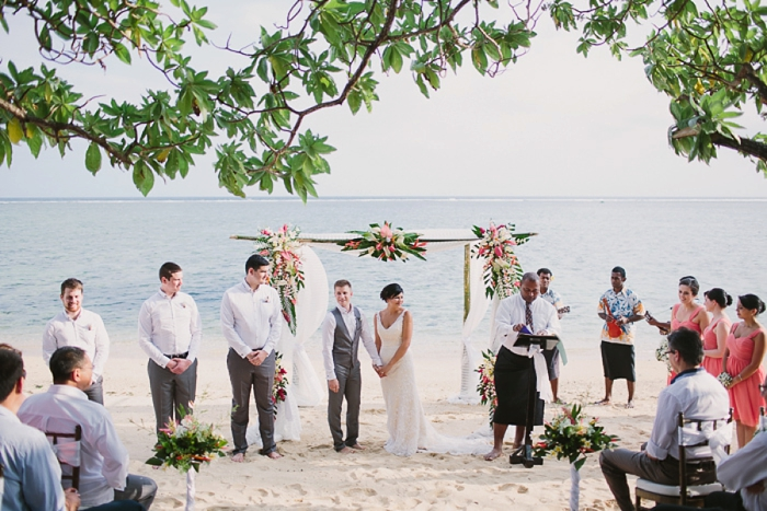 Australian couple gets married in Fiji at The Warwick