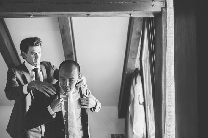 groom-preparations-in-himberg-vienna
