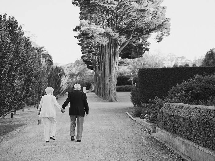 romantic moment between grandparents