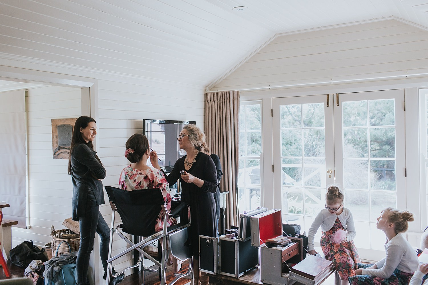 hair and makeup in the cottage at bendooley estate