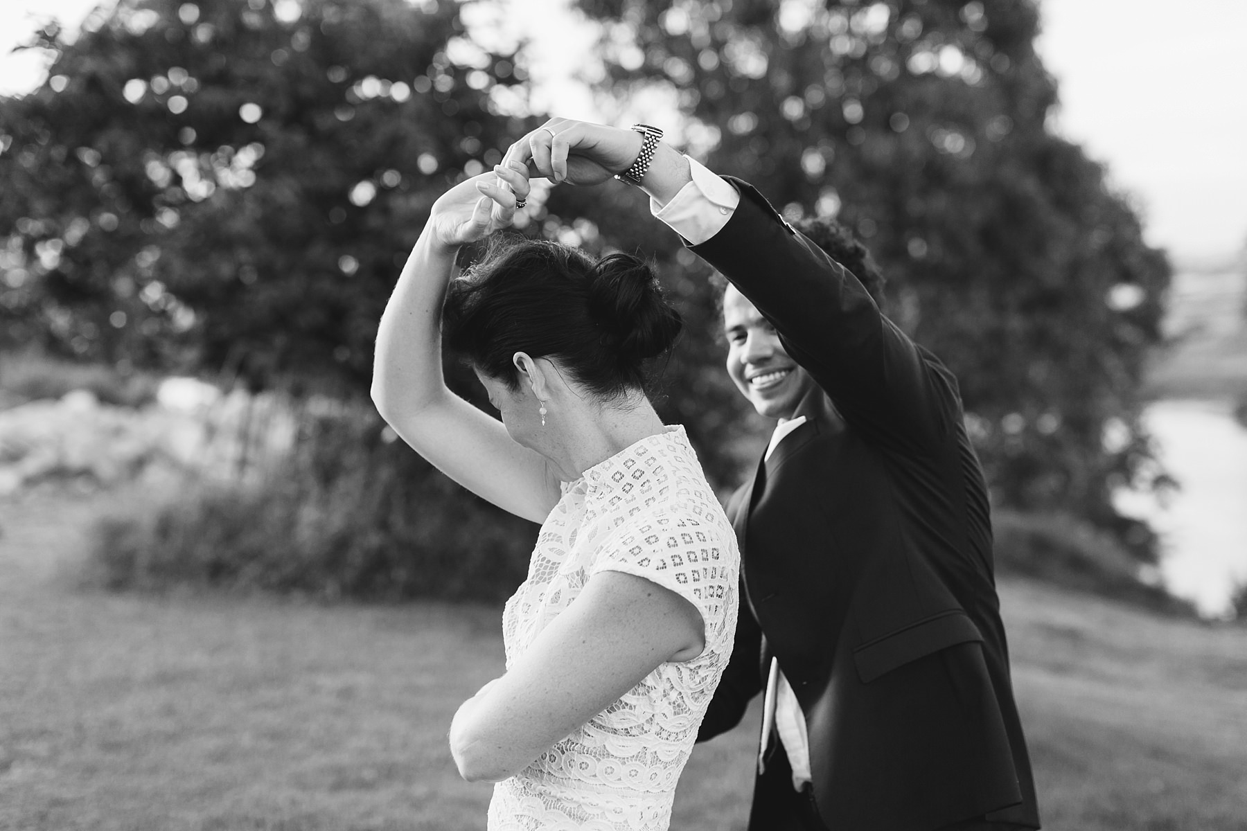 fun wedding photos at cornwallis house