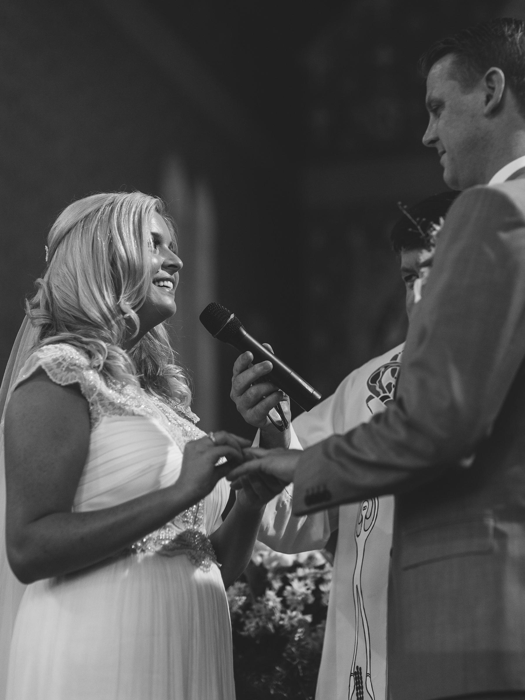 raw wedding photojournalism by jonathan david