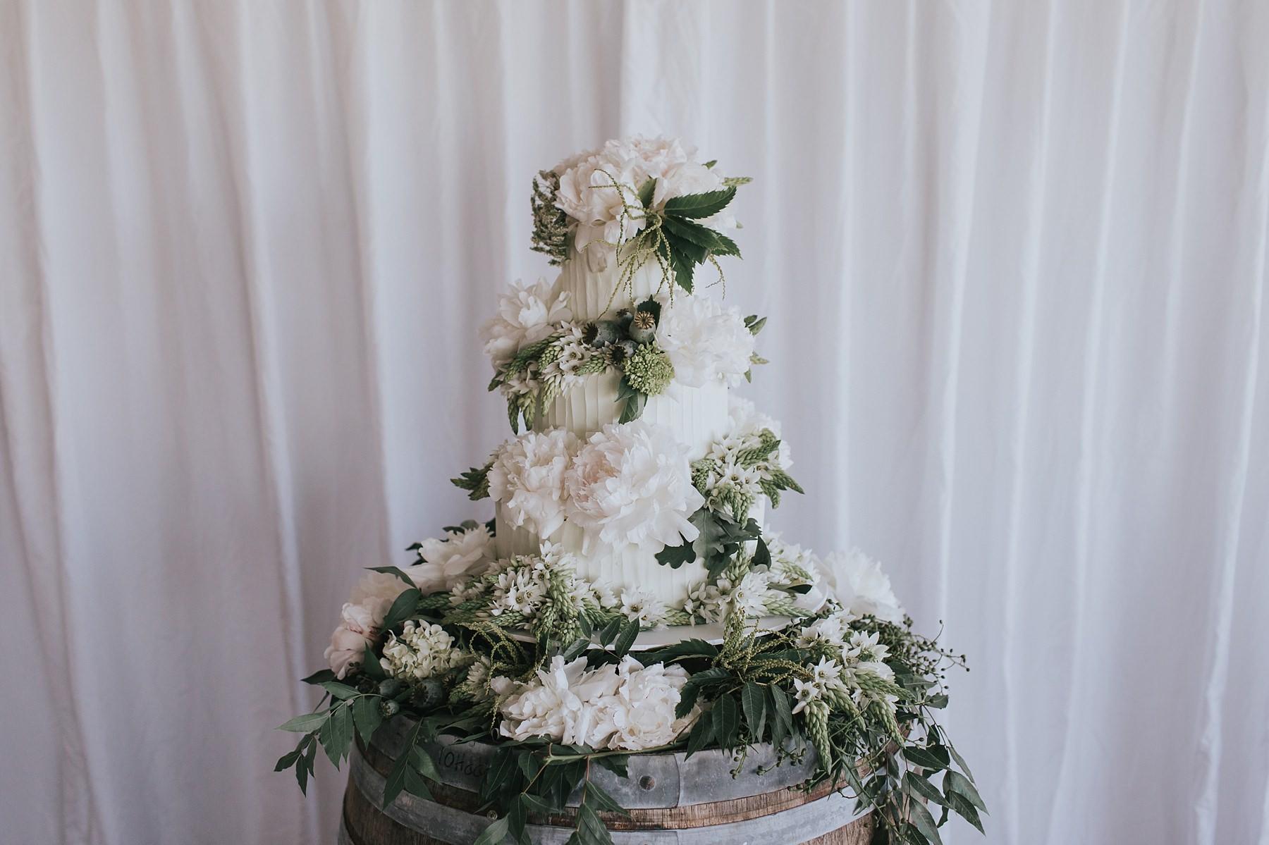 wedding cake in mudgee