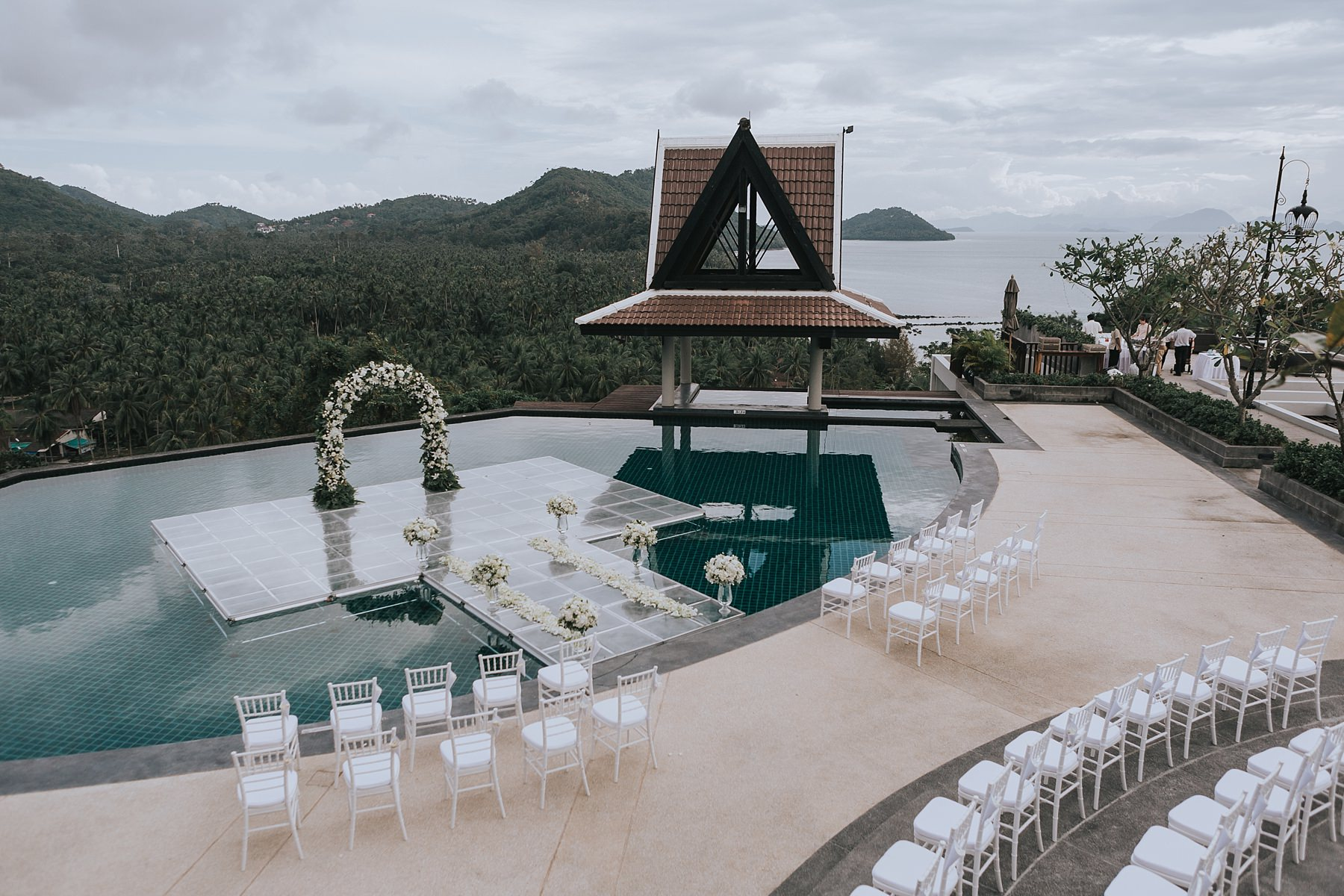 infinity pool for wedding ceremony at intercontinental koh samui