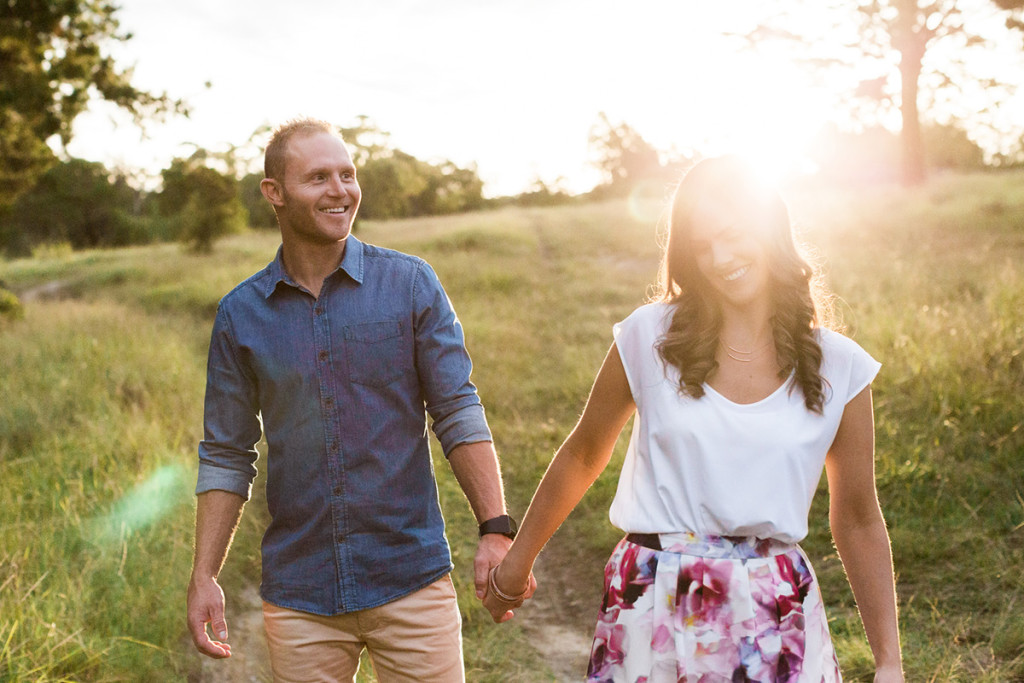 022-golden-hour-blue-mountains-engagement-photography-with-happy-couple