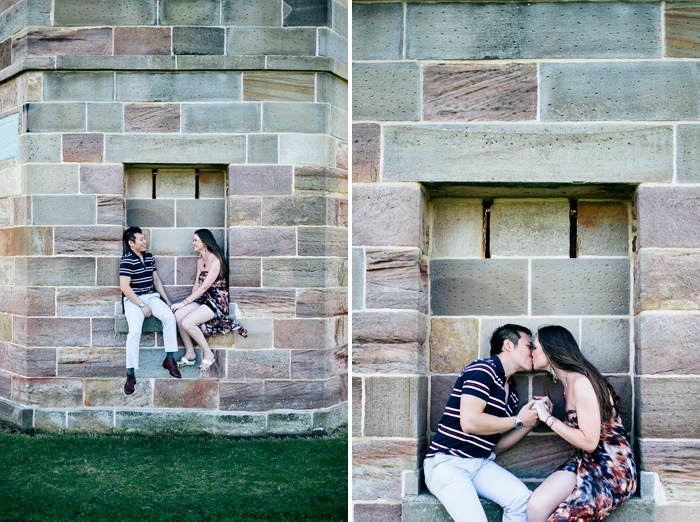 sydney-couple-kisses-in-la-perouse