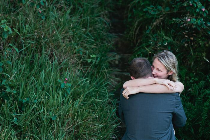 aaron-and-jess-share-a-hug