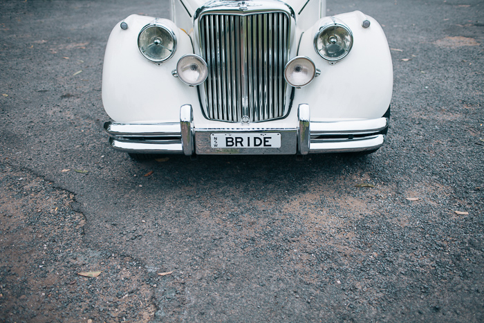 bride-car-forever-classic-wedding-cars