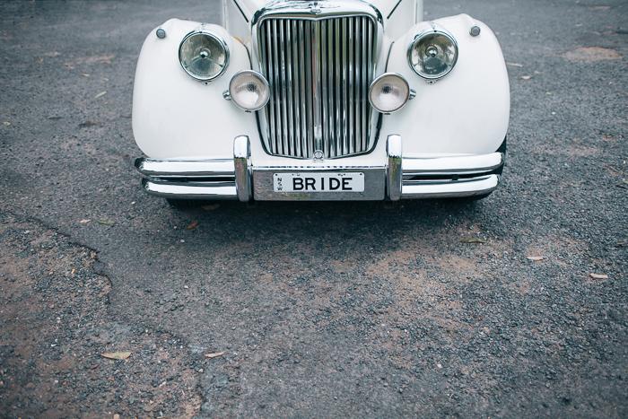 bride-car-forever-classic-wedding-cars