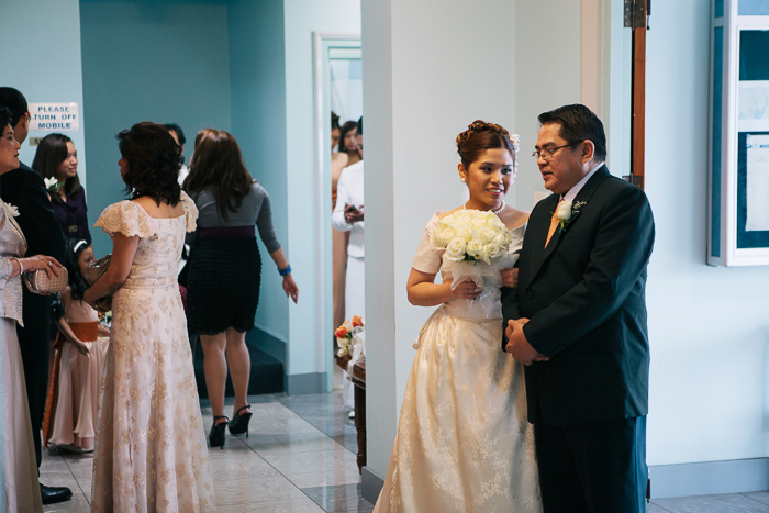 kristina-praying-with-father-before-wedding-ceremony