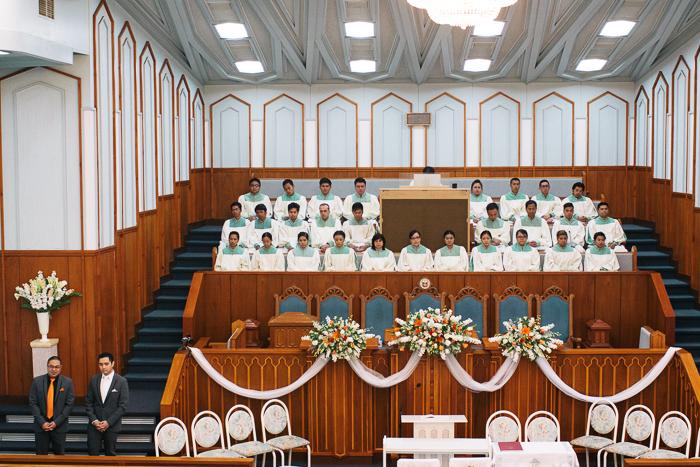 church choir and groom waiting-for-bride