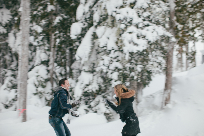 snowfight-engagement-photos