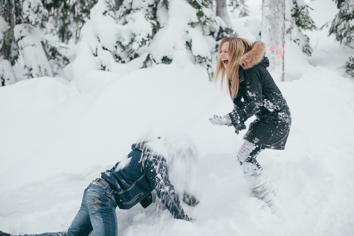 canada-snowfight-photography