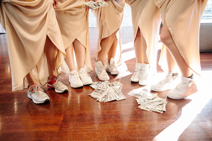 bridesmaids-style-fun-creative-photography