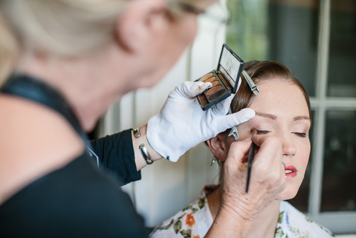 bride-makeup-preparations