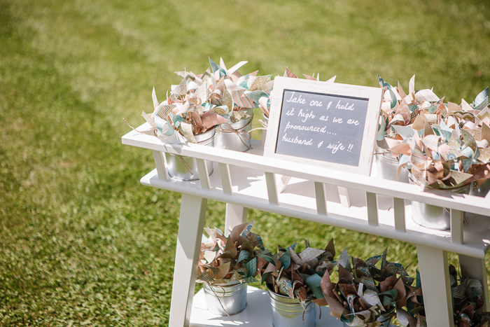 diy-pinwheels-for-wedding-recessional
