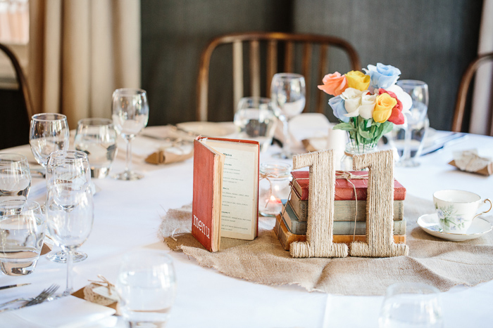 diy-wedding-menu-centrepieces