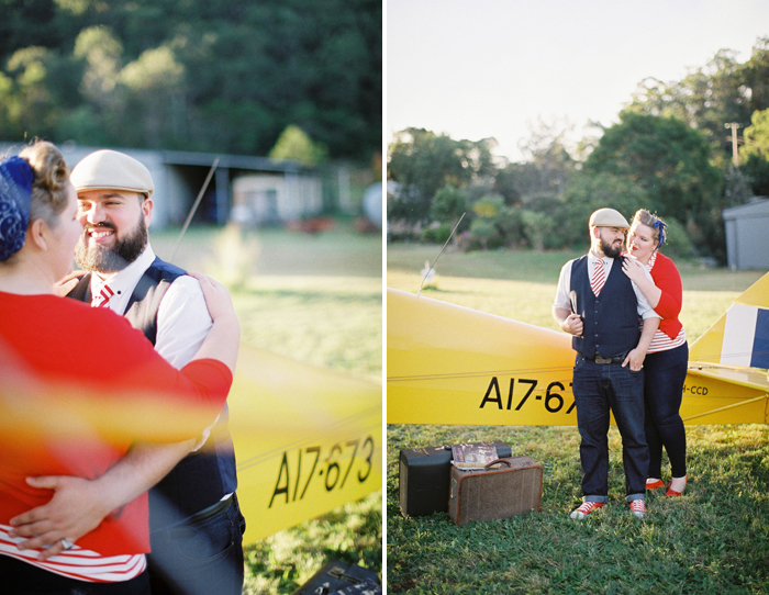 airplane-engagement-session