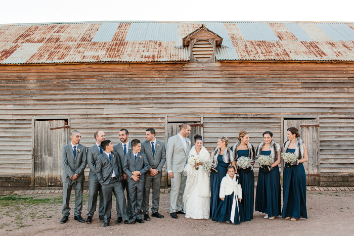 bridal-party-vintage-barn