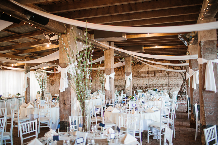vintage-barn-rustic-wedding