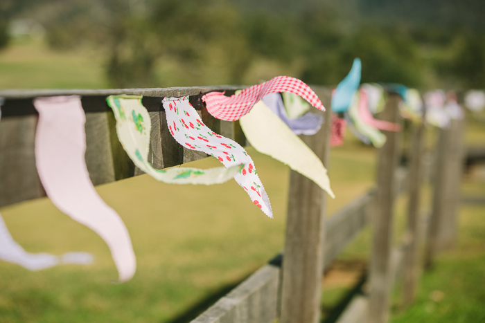 vintage-bunting-wedding-ceremony