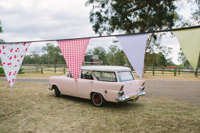 ek-holden-bunting-vintage-car-wedding