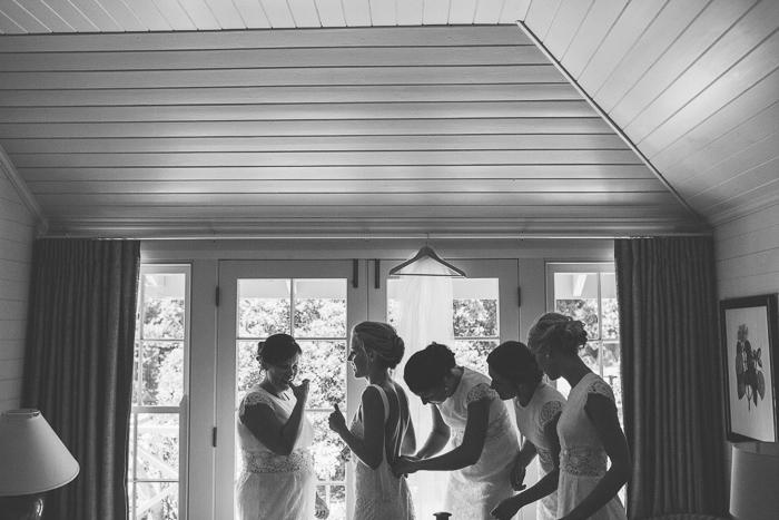bridal preparations at bendooley cottage berrima