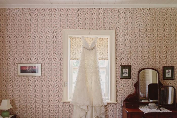 lace-wedding-dress-photo