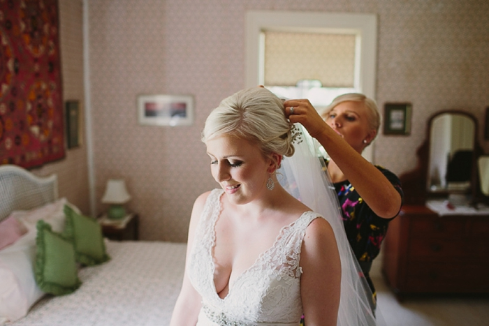bridal-veil-being-placed