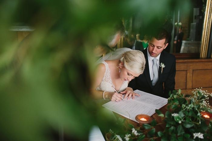 signing-marriage-register-wedding-at-binda