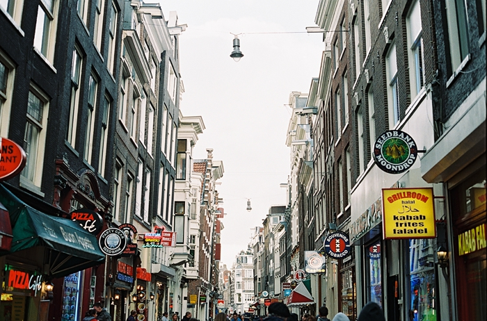 shopping-streets-in-amsterdam