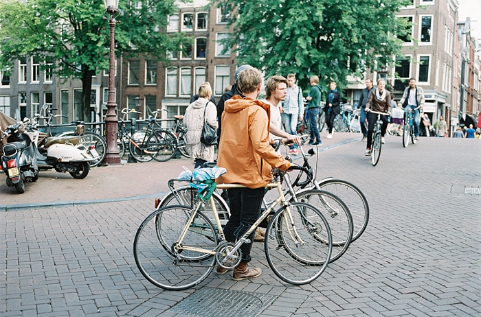 tourists-on-bikes-travels