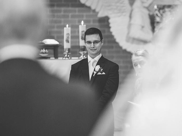 groom sees his bride at bowral wedding