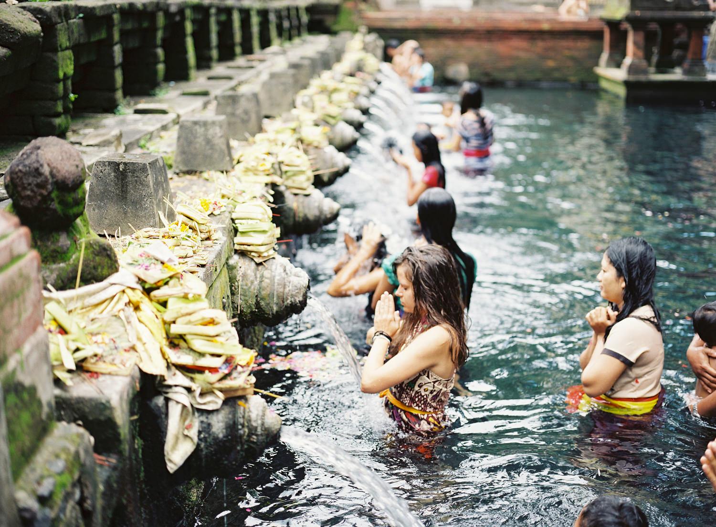holy water temple bali ubud