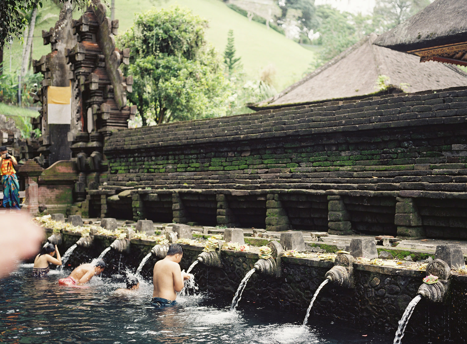 tirta empul holy spring balinese temple