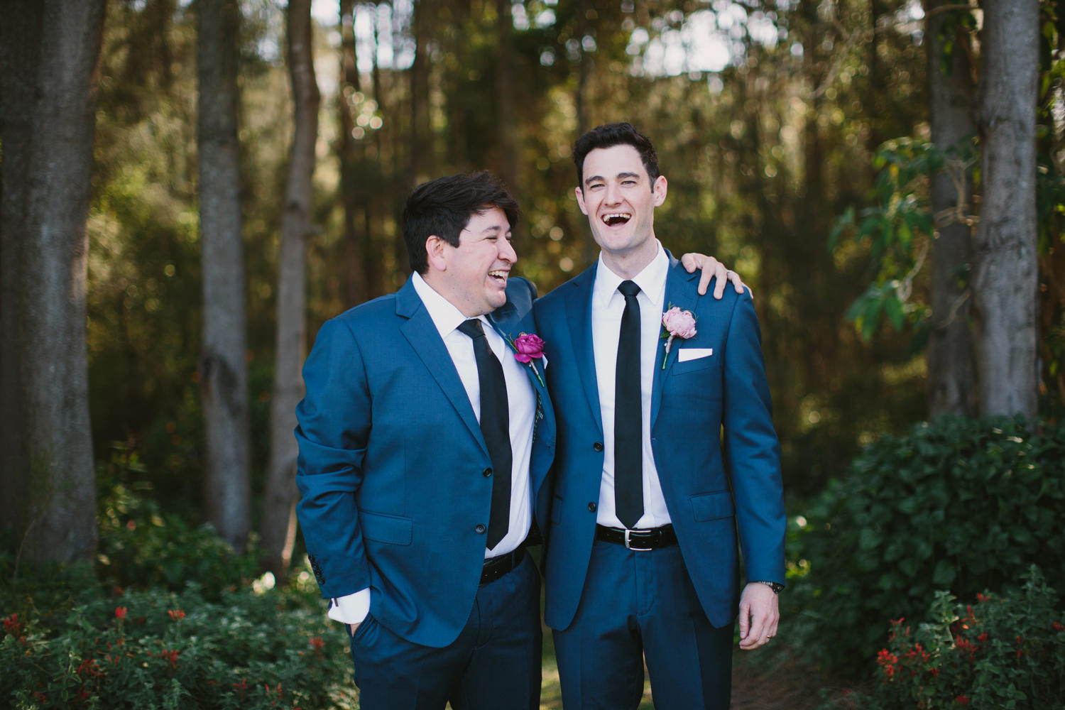 Groom and bestman have a laugh after hunter valley wedding
